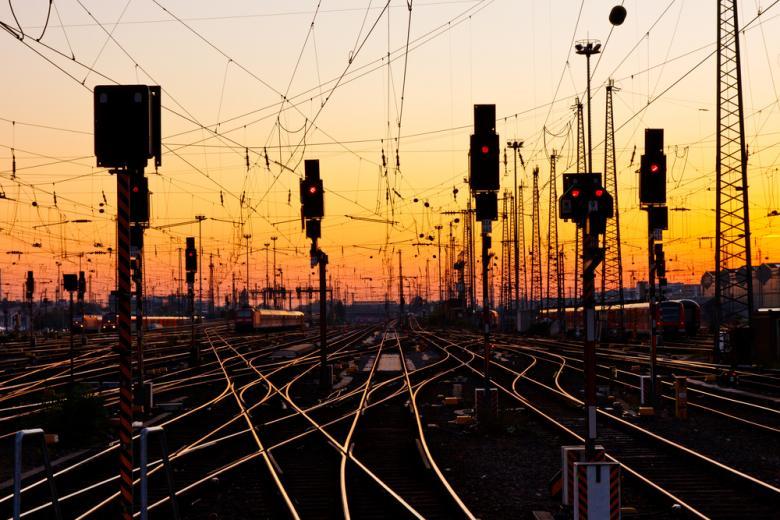 Железнодорожные пути предлагают вернуть пассажирским поездам фото