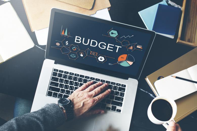 Бюджет требует долгов для реализации инвестиций фото