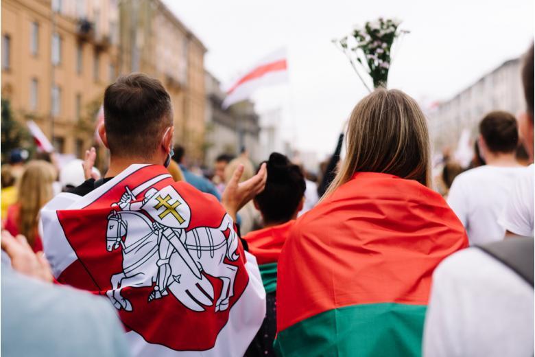 Из-за протестов и фальсификаций, президента Беларуси считают не легитимным фото