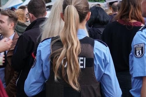 офицер полиции Берлина фото