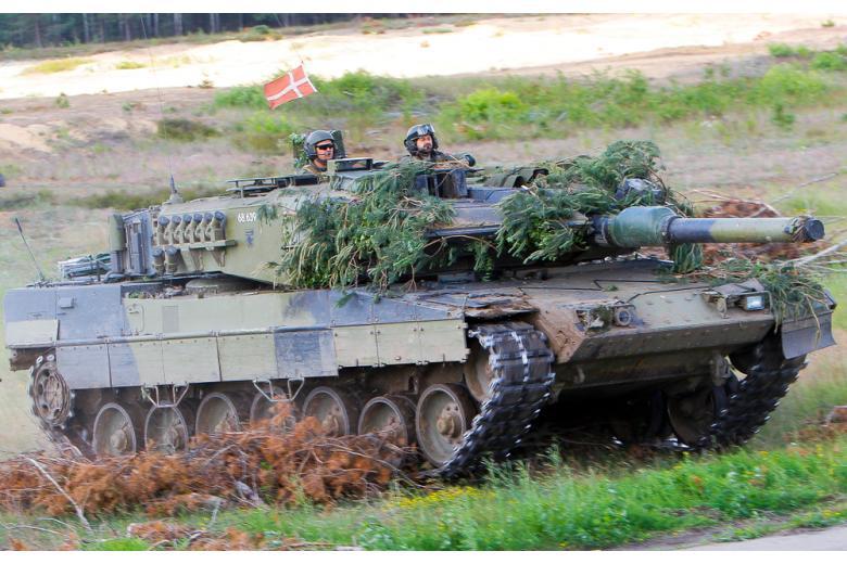 Основной немейкий танк оказался в конкуренции с южнокорейским изобретением фото