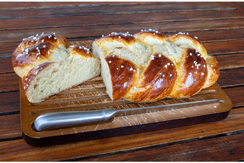 плетёный немецкий хлеб Hefezopf фото