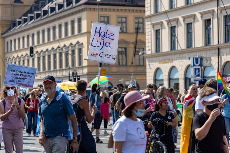 протесты против карантина в Германии фото