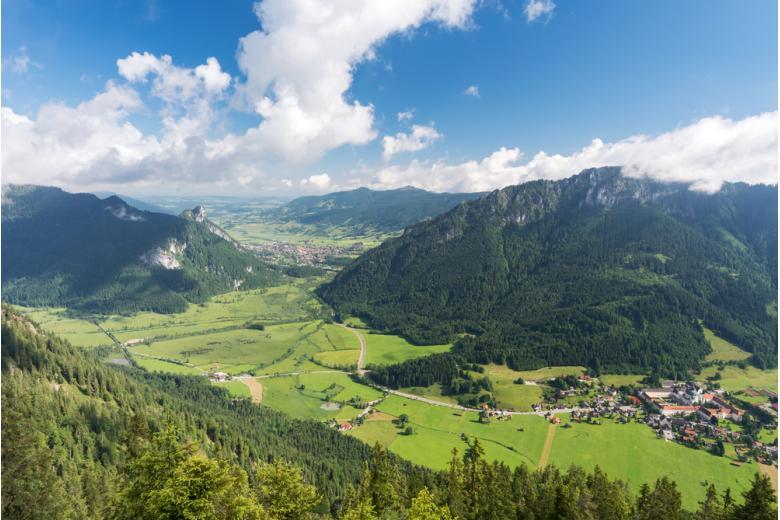 Деревня Этталь вид с горы Охзенсиц фото