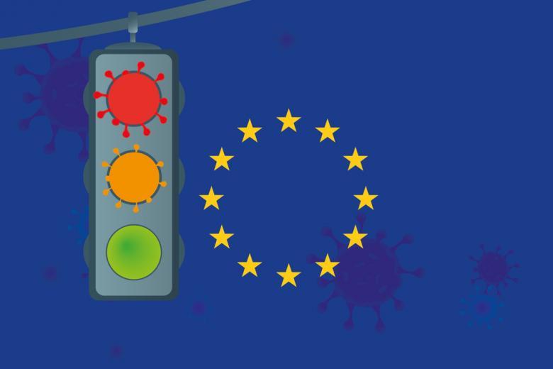 флаг Евросоюза и светофор фото