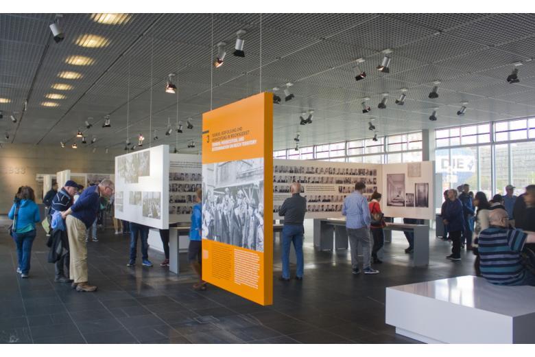Фотовыставка в Берлине фото