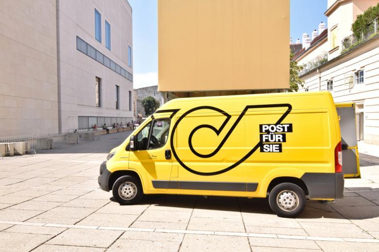 Машина почтовой службы Австрии фото