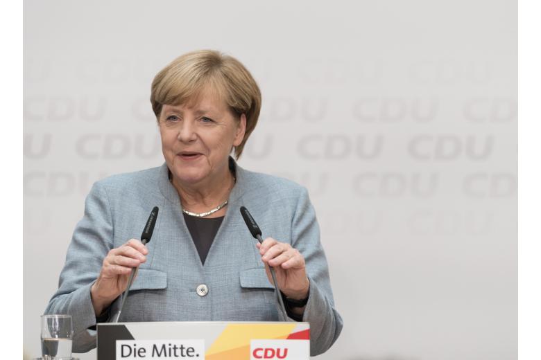 Меркель на съезде партии ХДС фото