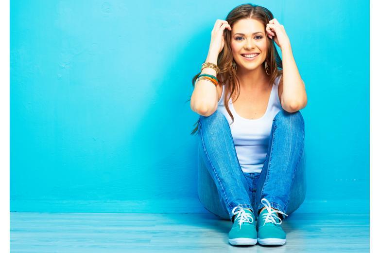Молодая девушка фото