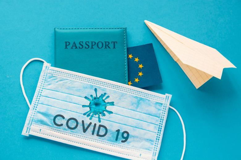 паспорт и маска от коронавируса фото