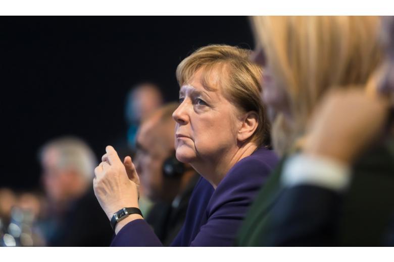 Годовщина «вечного канцлера»: Меркель возглавляет Германию уже 15 лет фото 1
