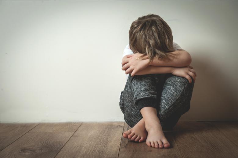 Бить детей не считают зазорным половина опрошенных фото