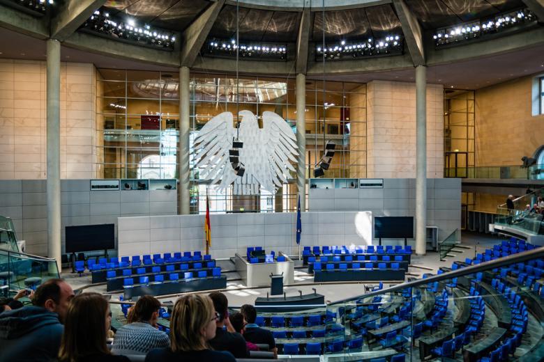 Экс-чиновникам в Германии платят пенсий на сотни миллионов евро фото