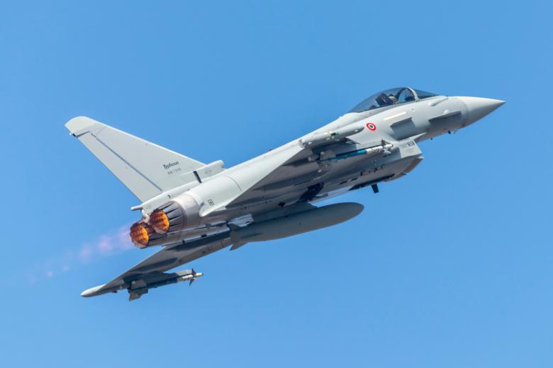 Eurofighter Typhoon будут охранять небо Германии фото