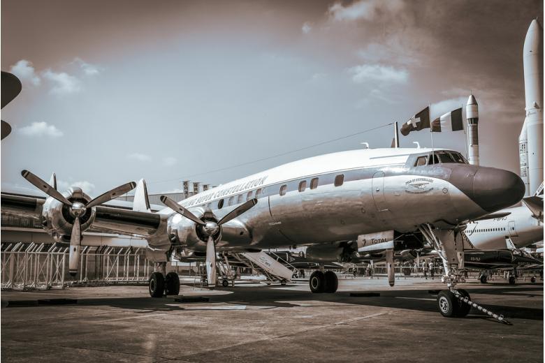 Lockheed Super Constellation был первым пассажирским самолетом в послевоенном Берлине фото