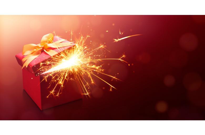 подарочная коробка с огоньком фото