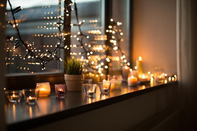 Праздничные огни в частном доме превращают рождество в праздник фото