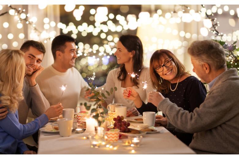 Рождество можно отпраздновать с бабушками и дедушками по правилам фото