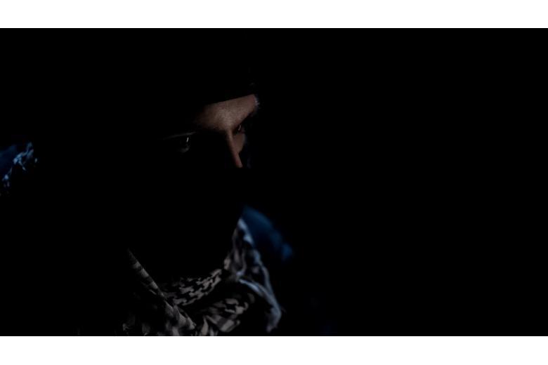 террорист в маске фото