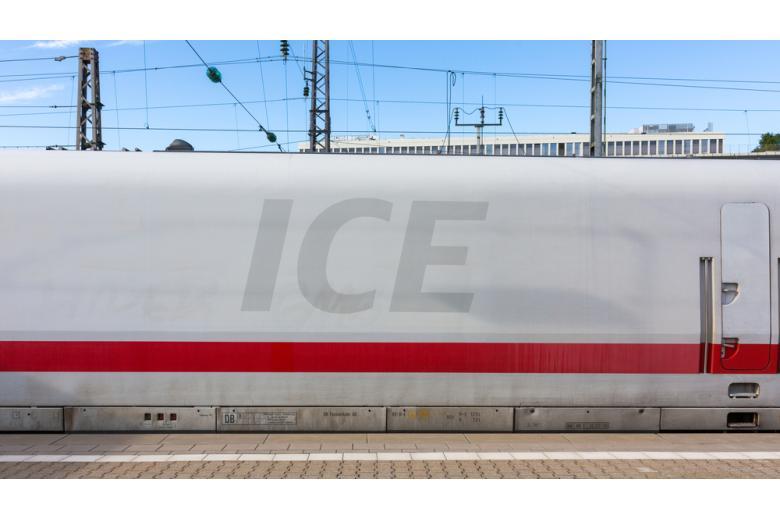 вагон поезда ICE в Германии фото