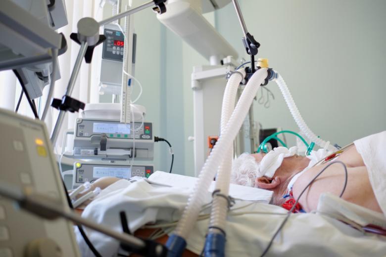 Законна или нет сортировка пациентов в реанимации во время пандемии Covid-19 установит суд фото