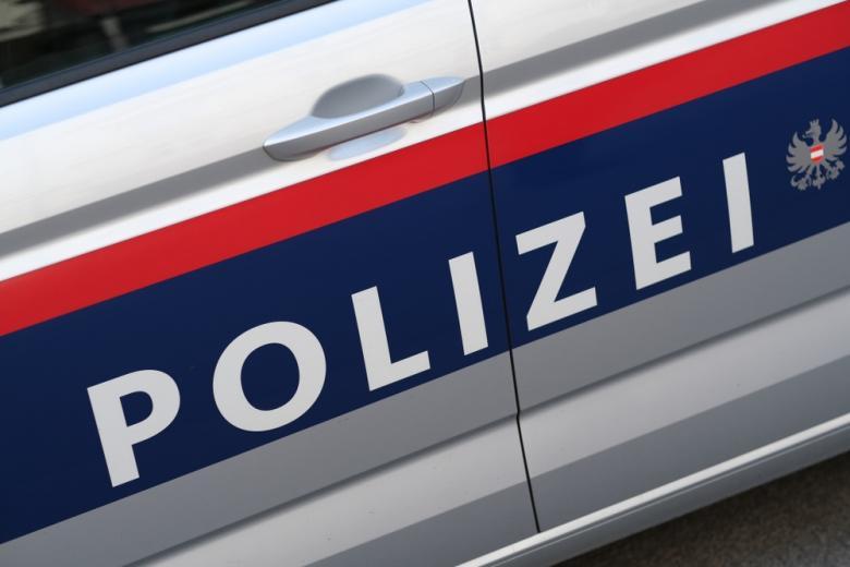 автомобиль австрийской полиции фото