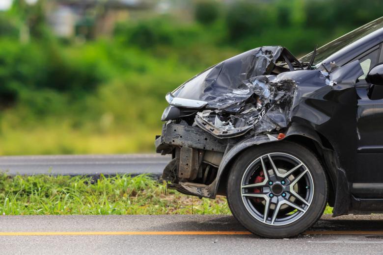 автомобиль помятій после аварии фото