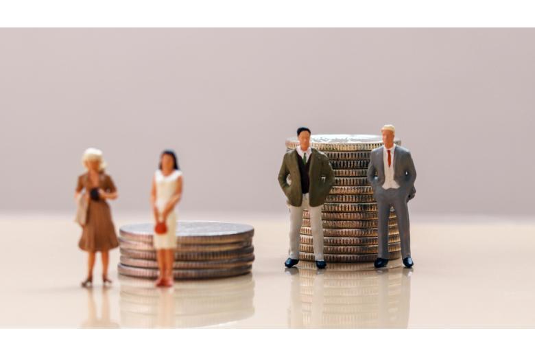 деньги женщин и мужчин фото