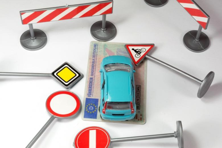 концепт соблюдения правил дорожного движения фото