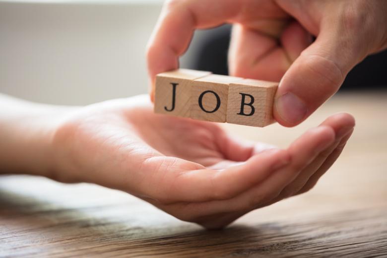 Коронавирусные ограничения пока что не повлияли сильно на рынок труда фото