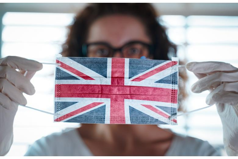 маска с флагом Великобритании фото