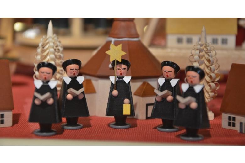 традиционные немецкие рождественские фигурки фото