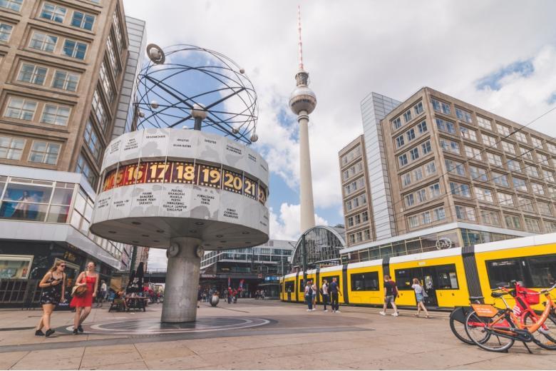 Берлин отличается комфортными условиями жизни и относительно недорогим жильем фото