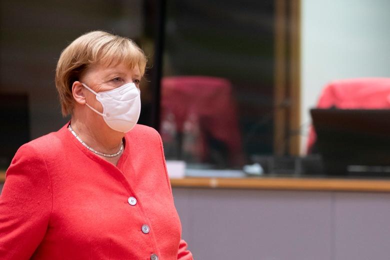 Канцлер Германии обратилась к немцам фото