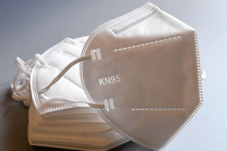 Масочный режим требует обязательного использования маски уровня FFP2 или KN95 фото