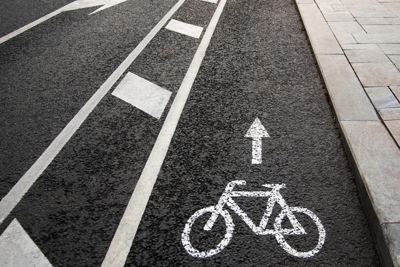 На велосипедные дорожки тратят все больше денег, призывая пользоваться альтернативным транспортом фото