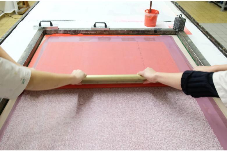 нанесение материала PCM на ткань фото