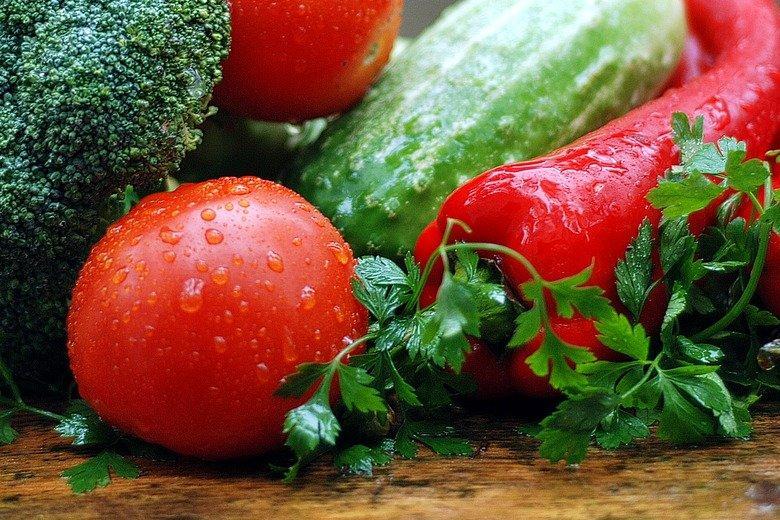 Полезные продукты питания важны почти для половины потребителей фото