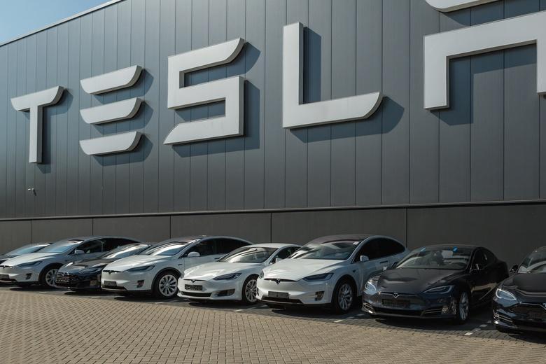 Tesla решилась на рекордный залог, чтобы спасти строительство завода фото