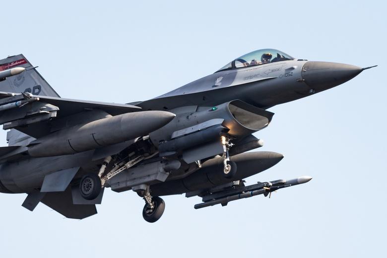 Американці остановили переброску самолетов и солдат с европейских баз фото