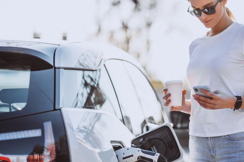 Экспресс-заправки для электромобилей с быстрым зарядом станут доступными даже на трассах фото