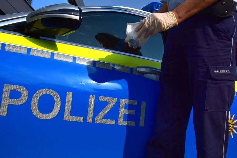 полицейских вакцинируютa фото