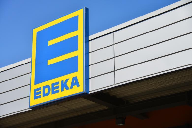 вывеска супермаркета Edeka
