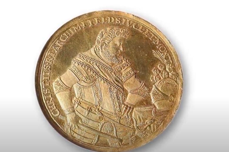 400-летнюю саксонскую монету продают за рекордную сумму фото