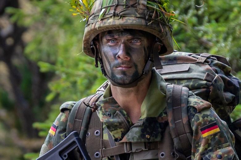 Бундесвер продлевает миссию в Афганистане на год фото
