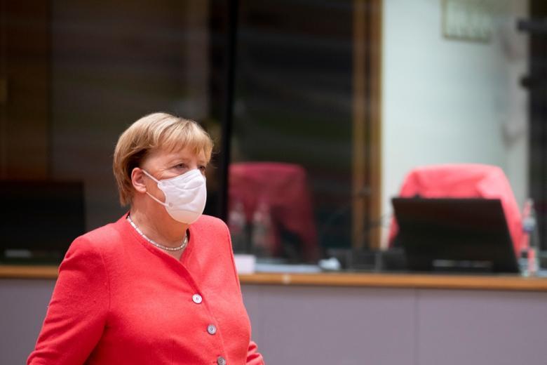 Меркель ответит на вопросы депутатов Бундестага фото
