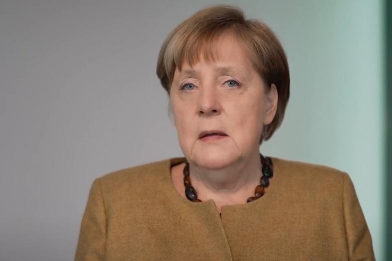 Меркель призвала настоящей гендерной справедливости фото