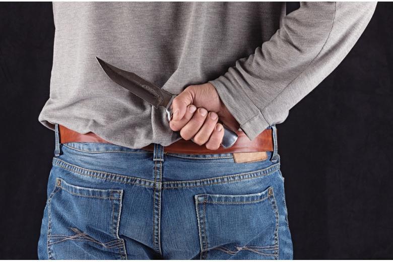 напал с ножом на учителя фото