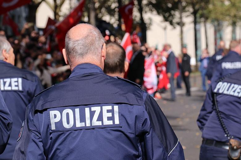 Полицейские пострадали в Берлине во время протестов