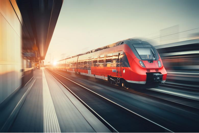 Железная дорога. Фото: Denis Belitsky / shutterstock.com